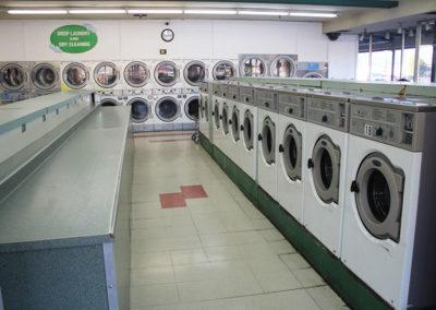Big-Y-Laundry-20-lb-Washer-&-Folding-Area