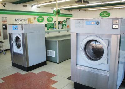 Big-Y-Laundry-Eugene-Coin-Laundry
