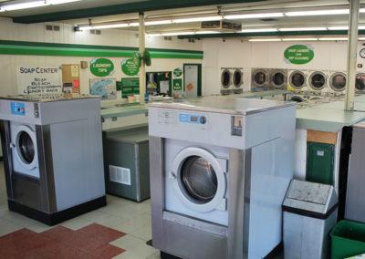 Big-Y-Laundry-Eugene-Laundromat